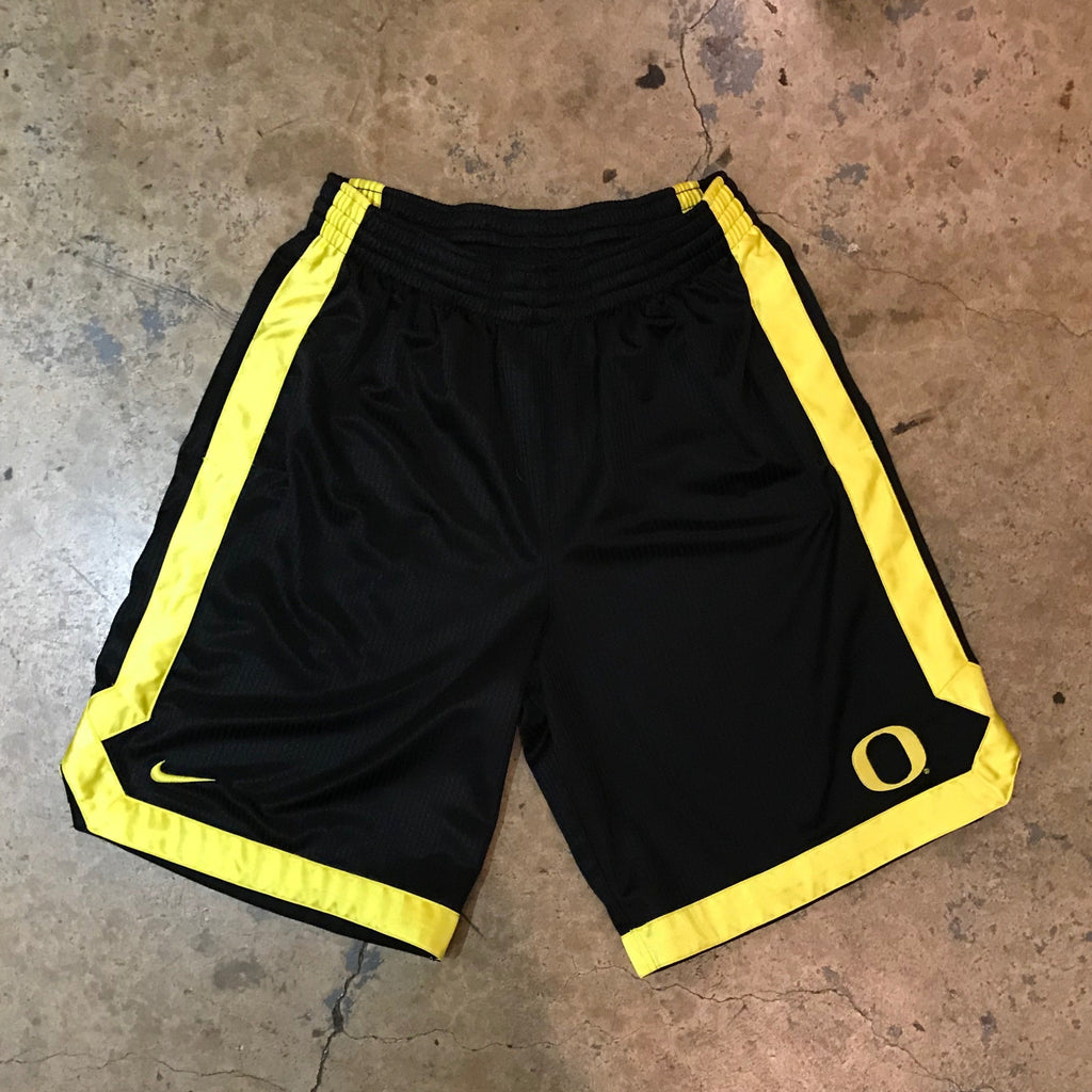 THRIFT - Nike Oregon Shorts