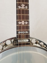 Load image into Gallery viewer, Paramount Leader Tenor Banjo