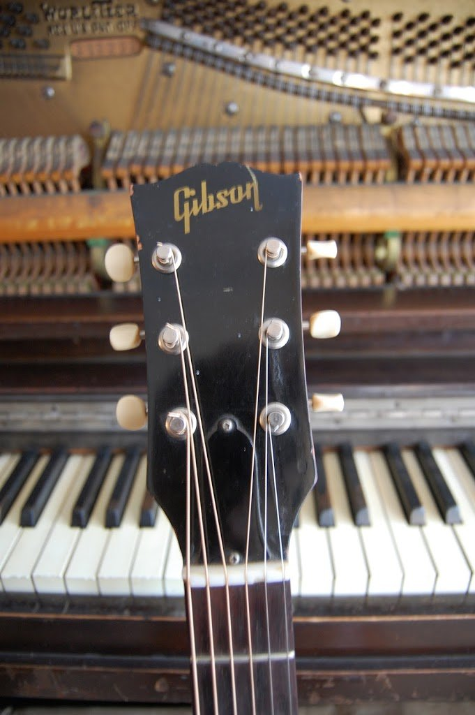 Why this is probably not a 1961 Gibson ES-125- what do you think?
