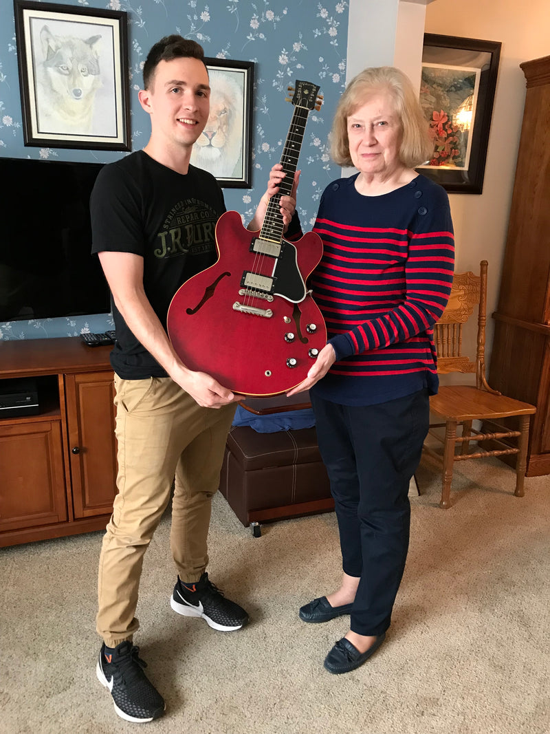 Gibson guitar buyer