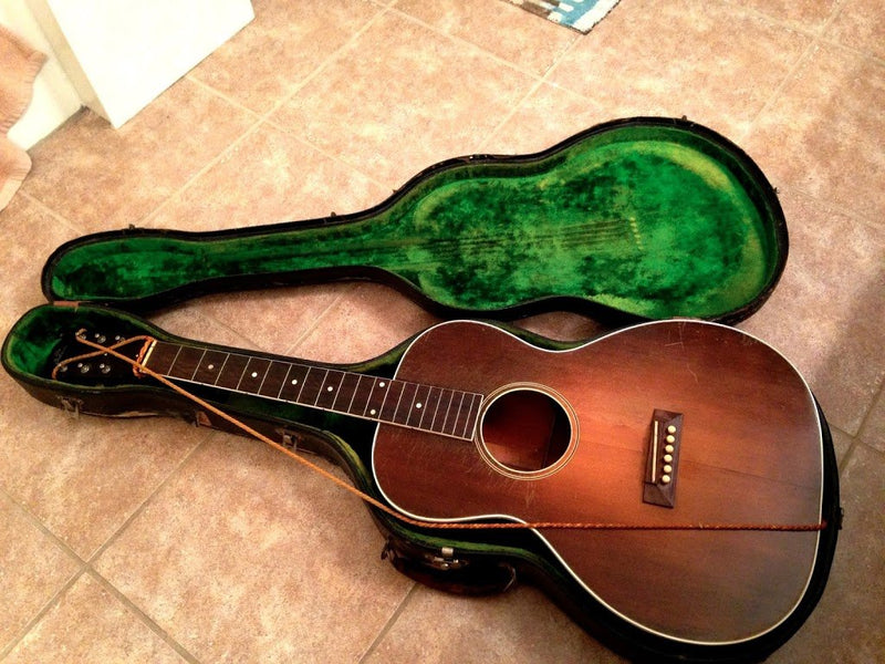 1931 Gibson L-1 with the original plush green case... Gorgeous