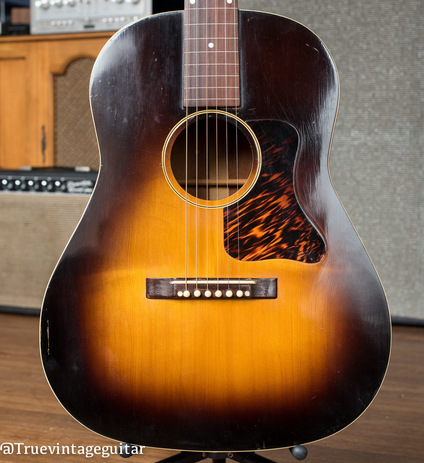 1937 Gibson Roy Smeck Stage Deluxe guitar