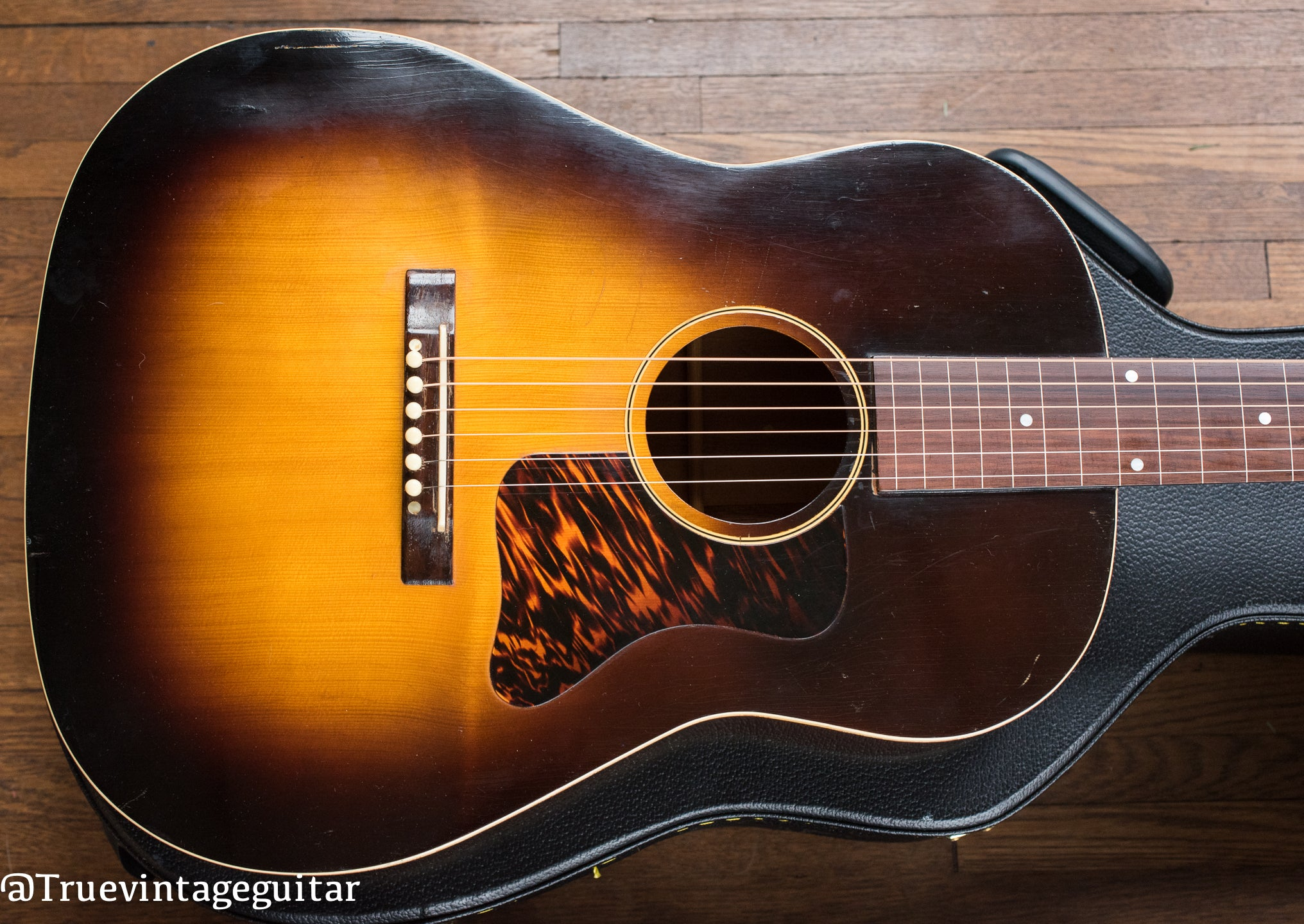 1930s Gibson Roy Smeck guitar