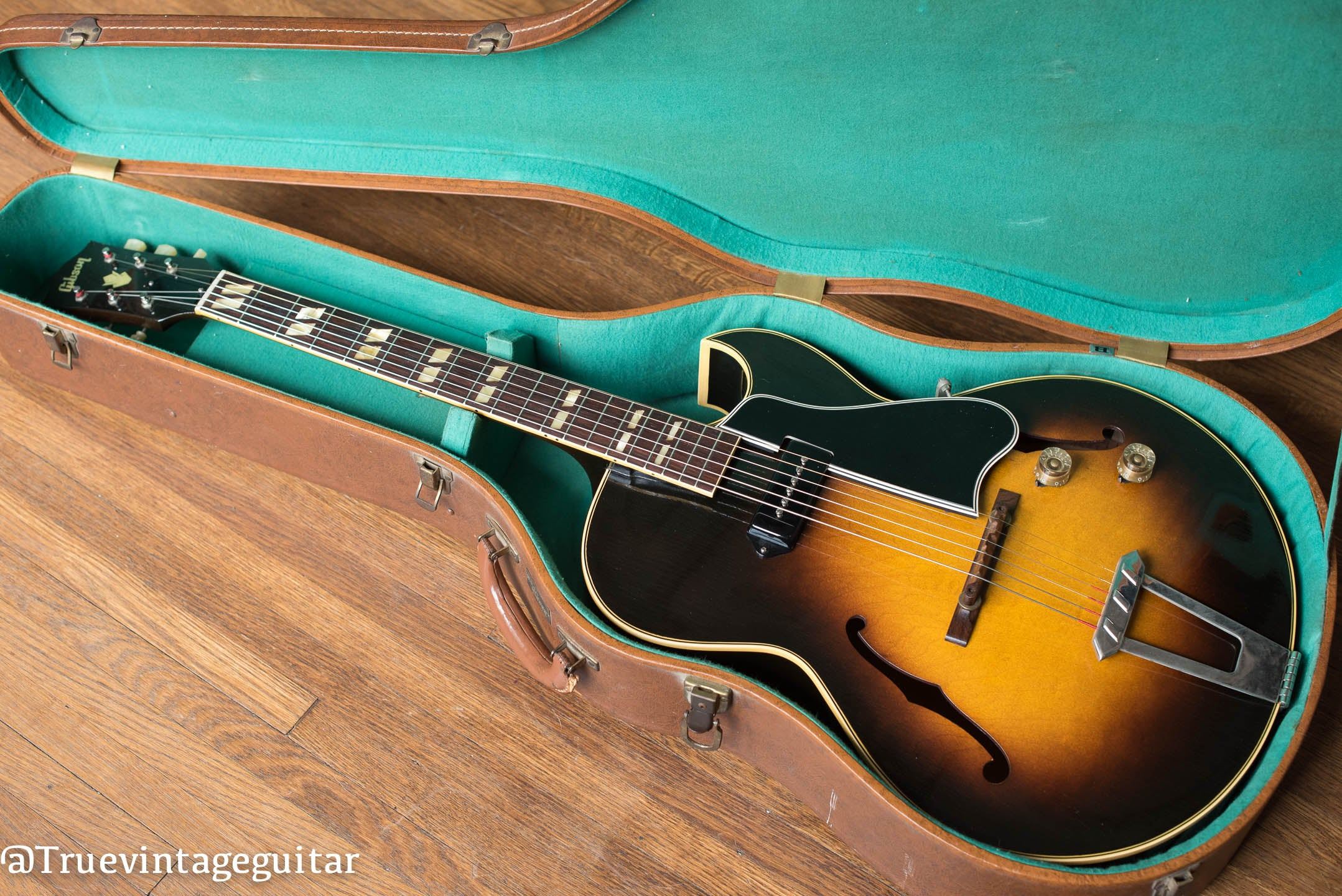 Vintage 1951 Gibson ES-175 electric guitar