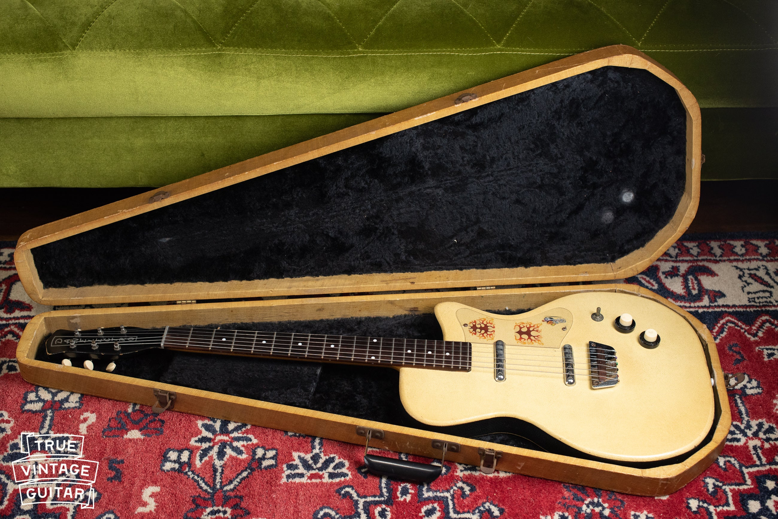where to sell vintage Danelectro guitars