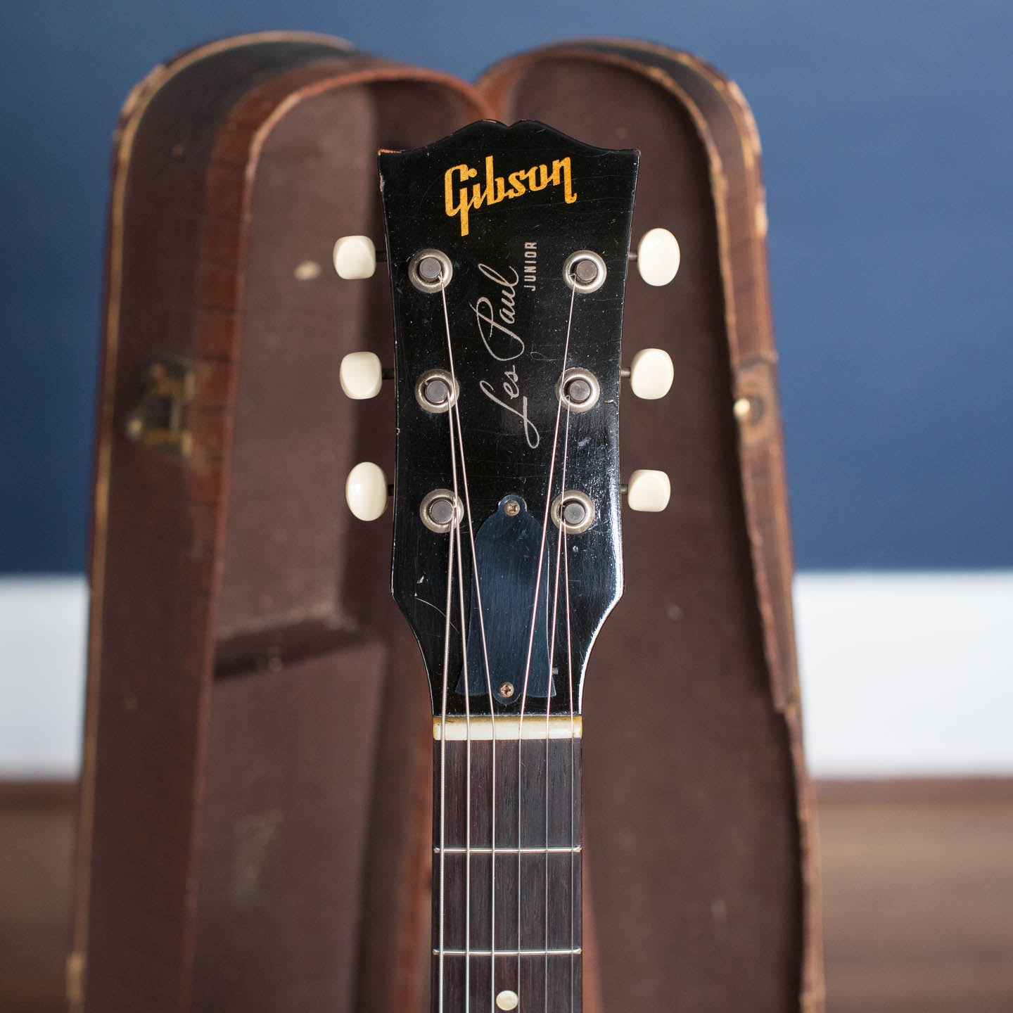 Where to sell vintage Gibson guitar