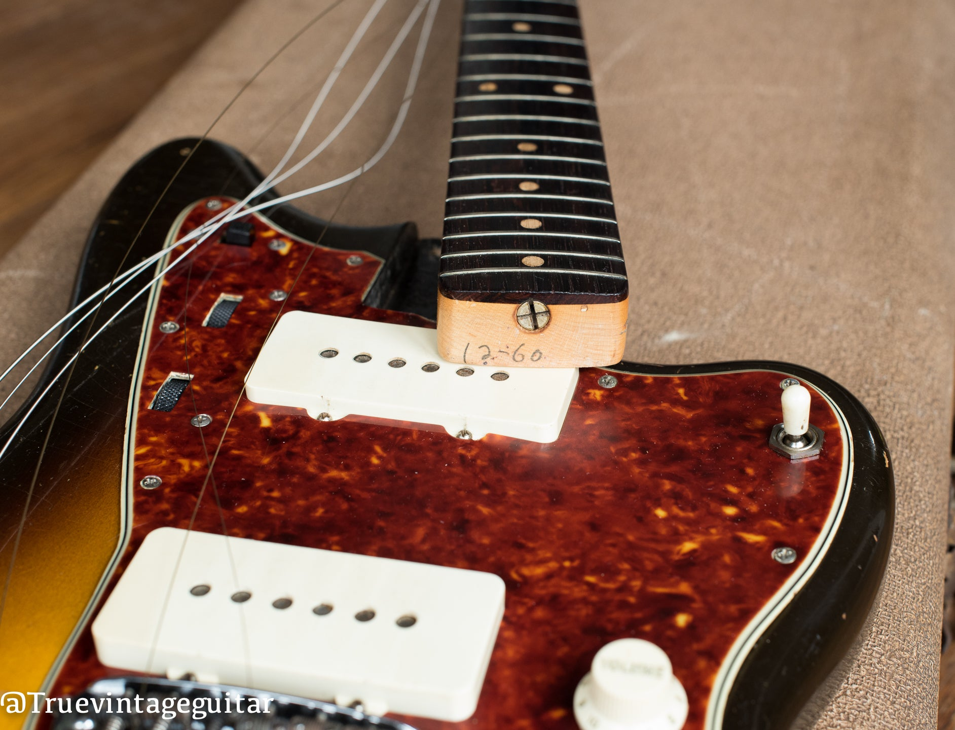 How to date vintage Fender Jazzmaster guitar, how old is my Fender Jazzmaster guitar