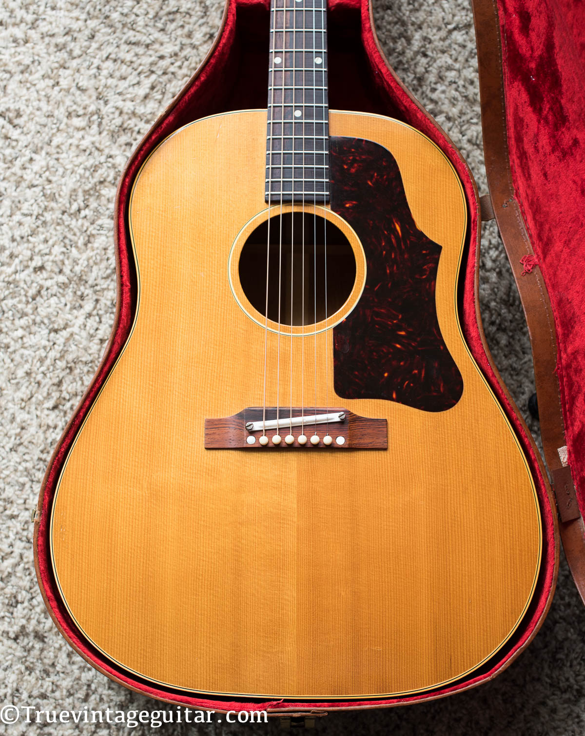 Gibson J-50 acoustic guitar 1962 vintage