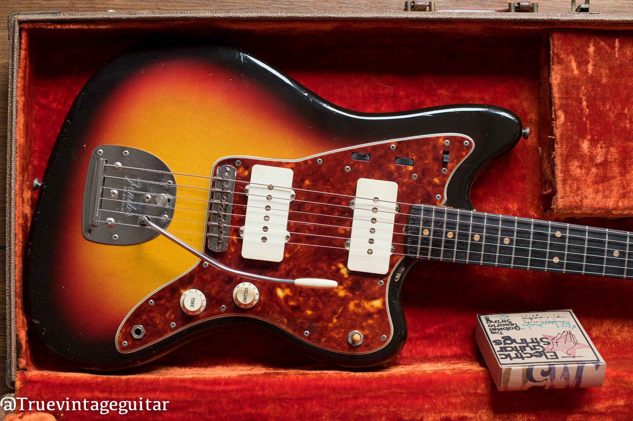 Vintage 1962 Fender Jazzmaster electric guitar Sunburst