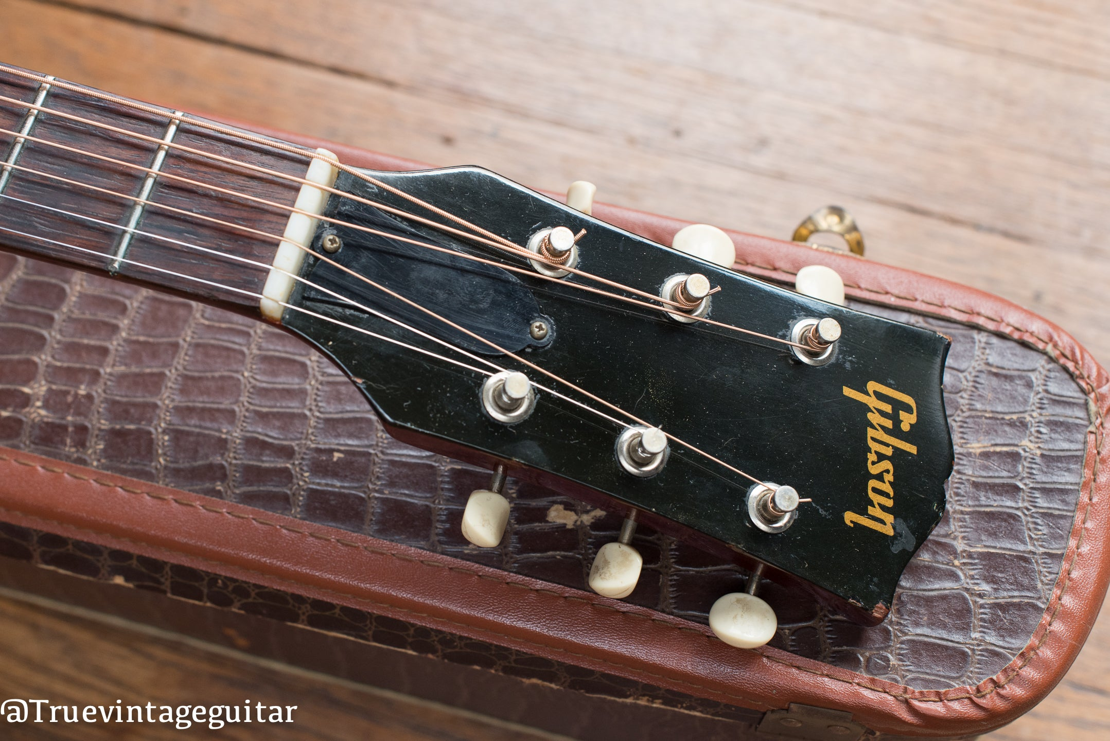 Where to sell vintage Gibson guitars