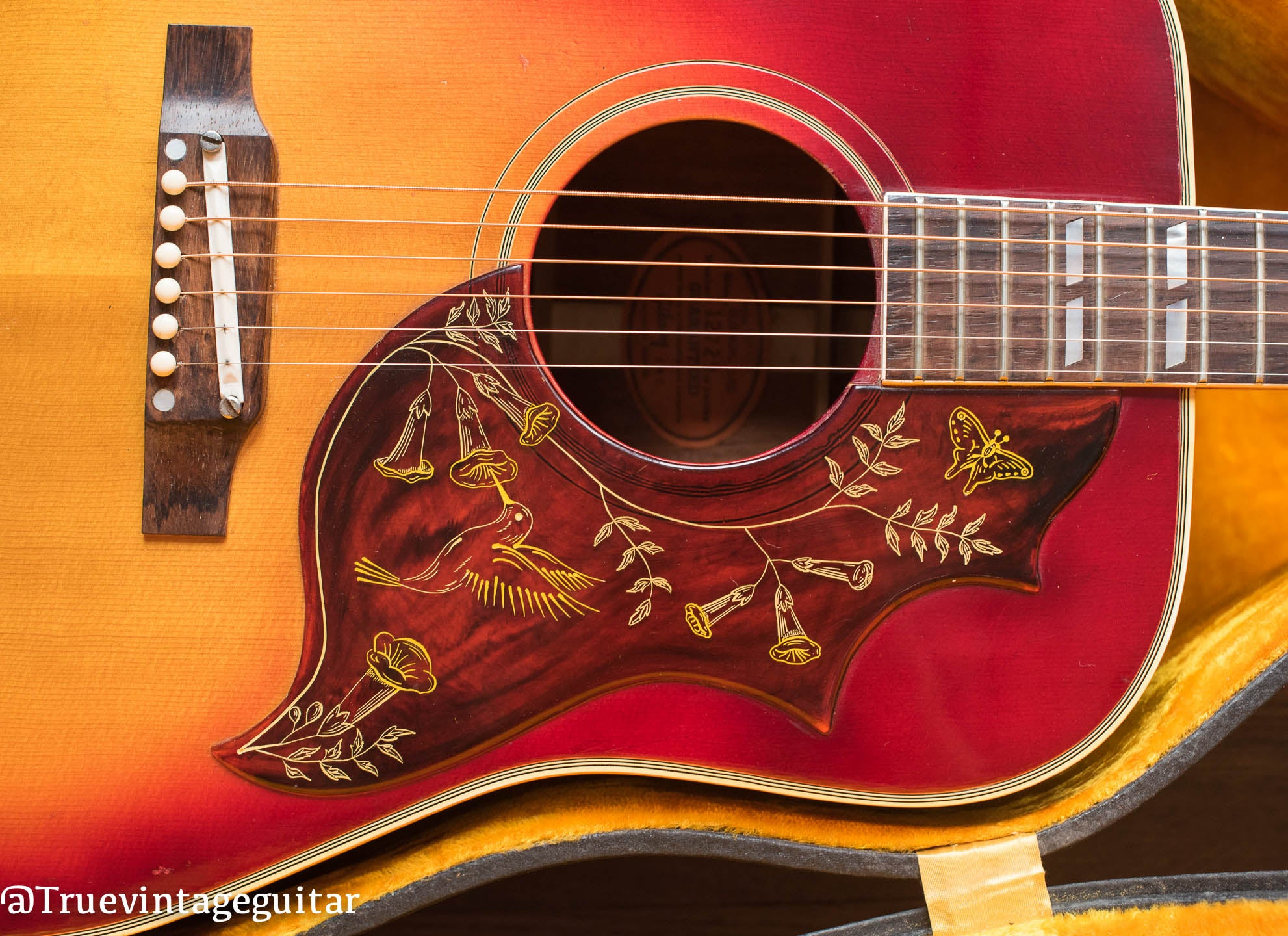 Engraved Hummingbird pickguard Gibson guitar