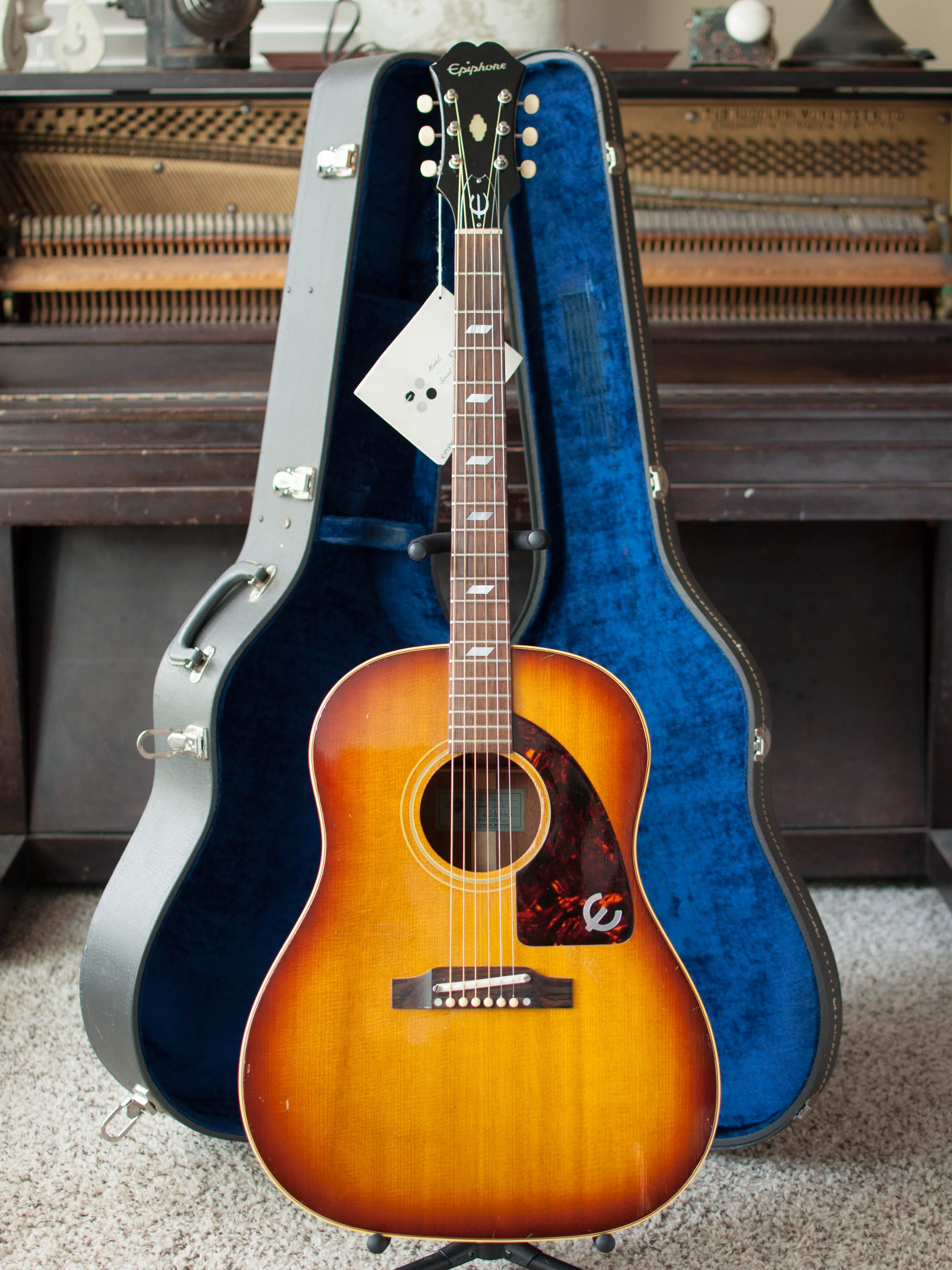 Vintage 1964 Epiphone FT-79 Texan guitar