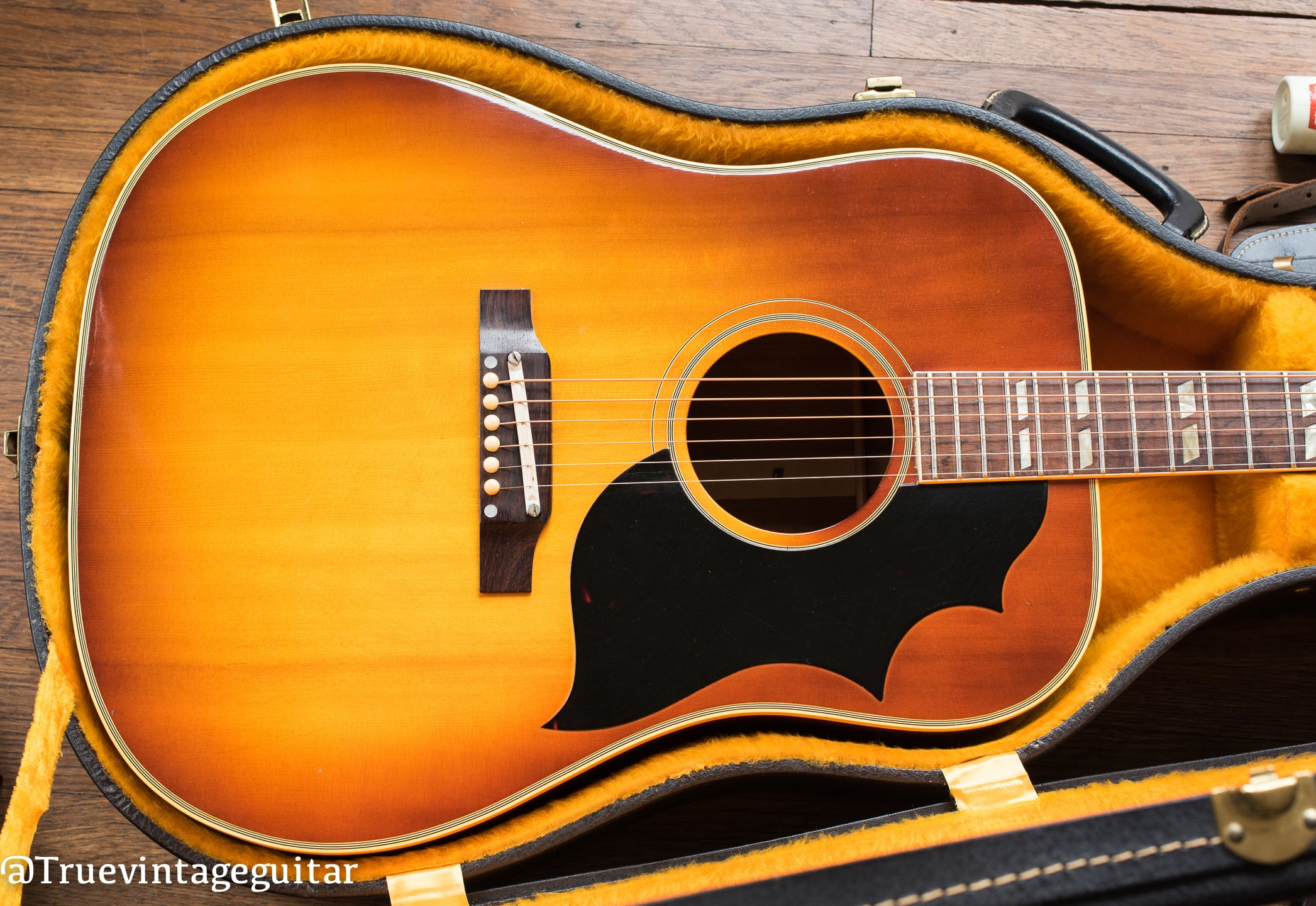 Vintage 1965 Gibson SJ Southern Jumbo acoustic guitar