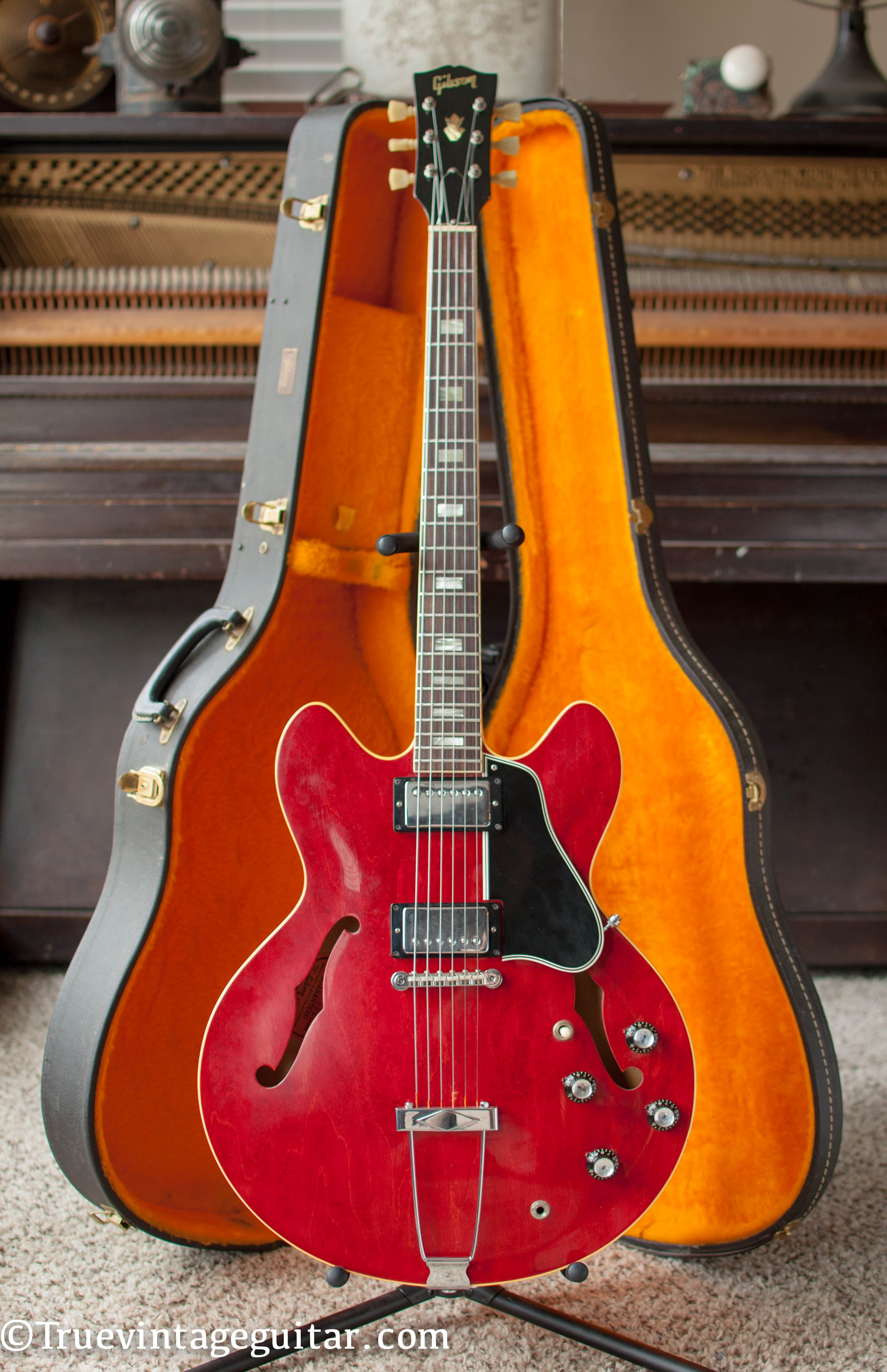 Vintage 1966 Gibson ES-335 tdc electric guitar