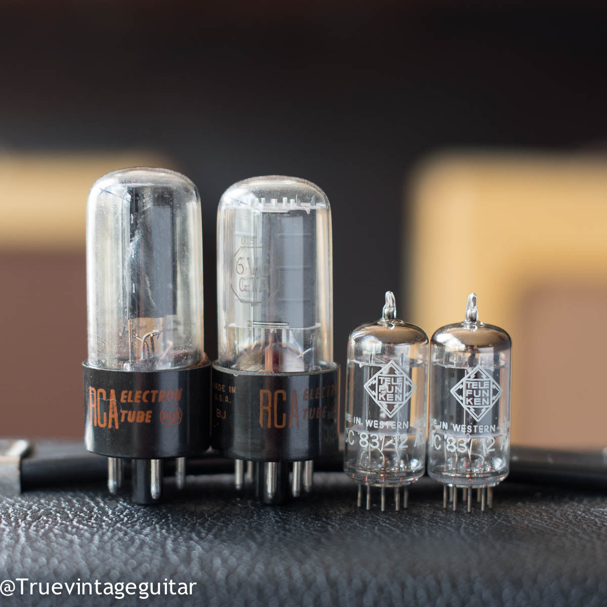 Original RCA and Telefunken tubes, Fender Vibro Champ