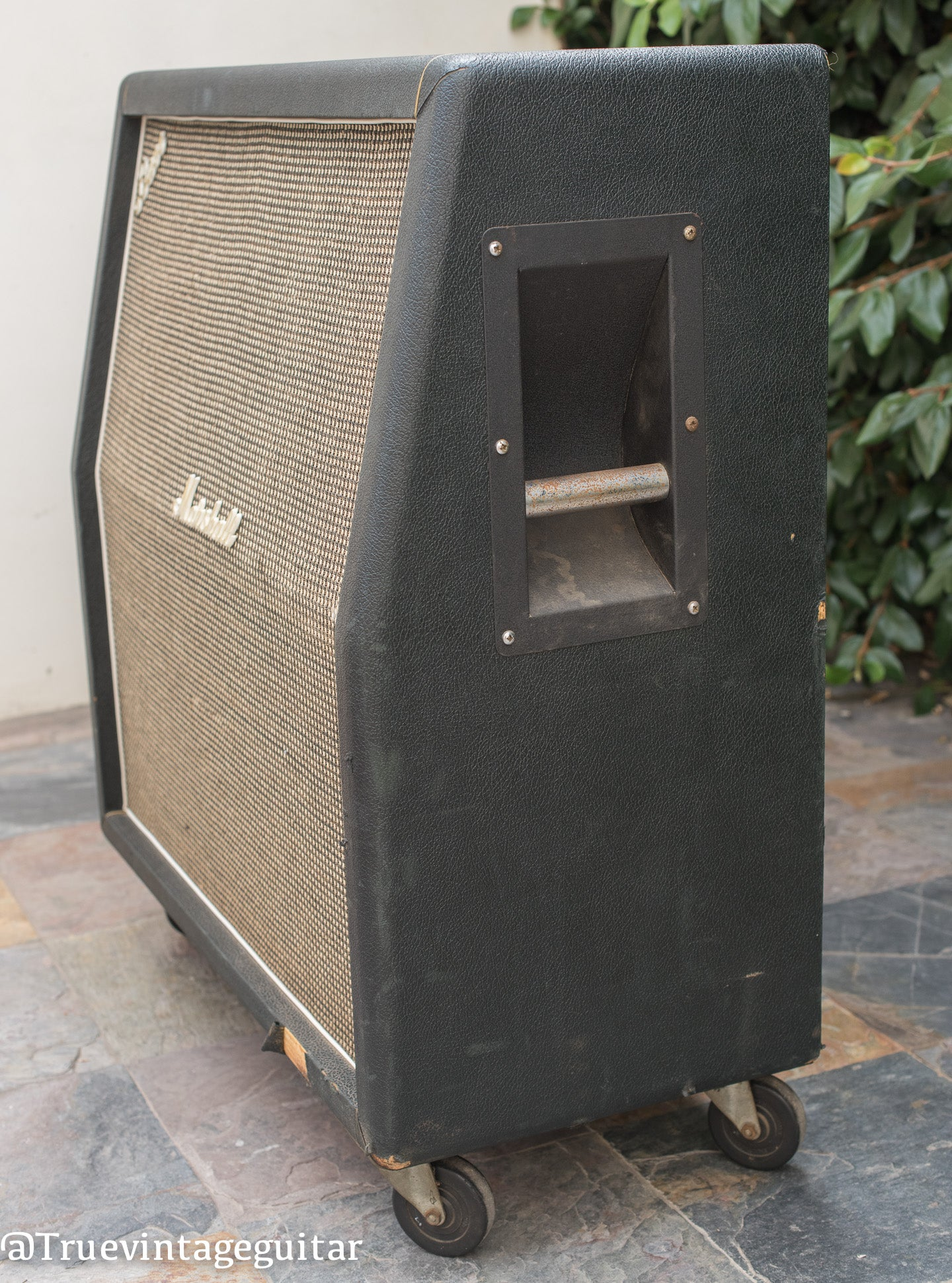 vintage 1968 Marshall cabinet model 1982a