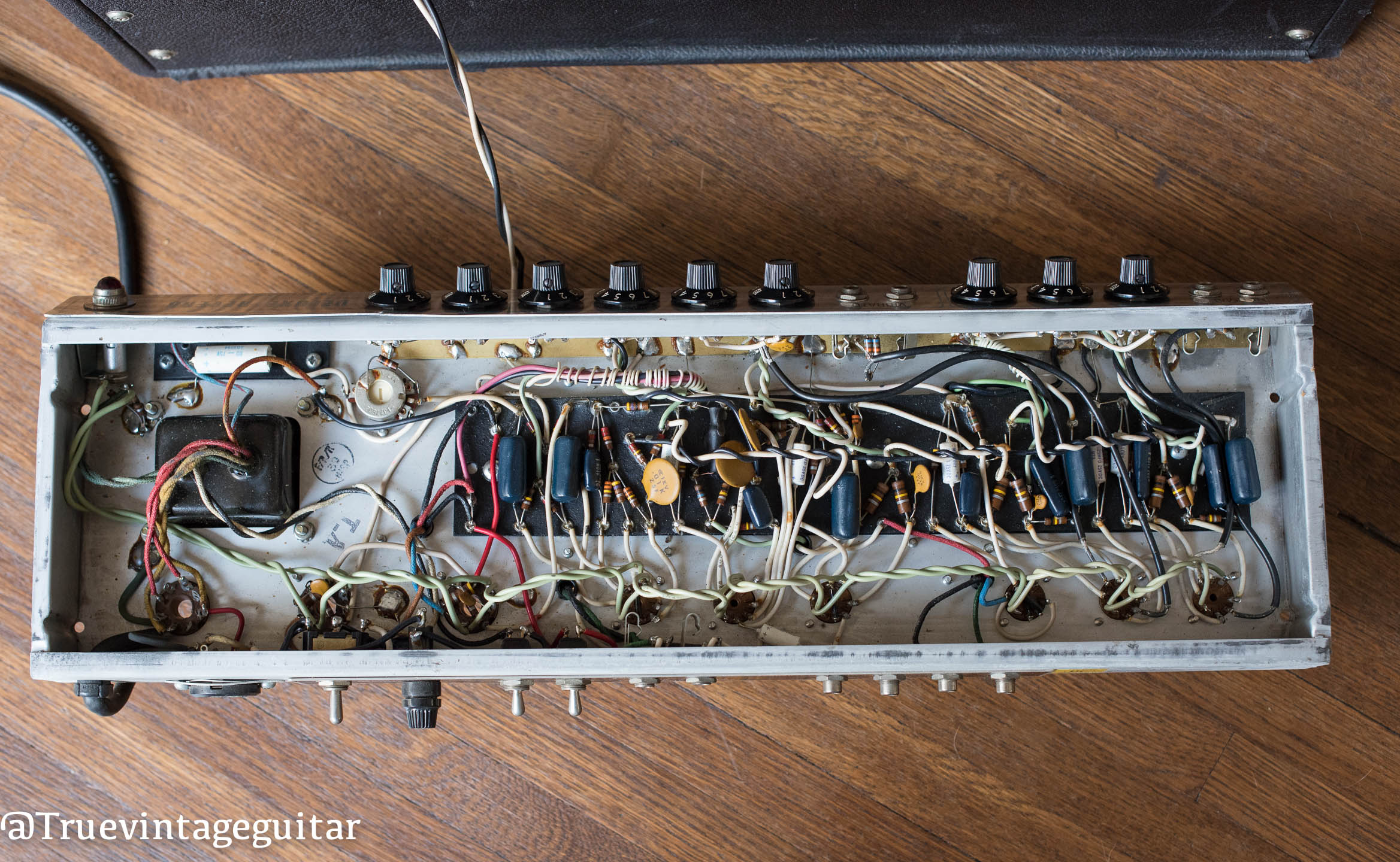 1976 Fender Deluxe Reverb chassis circuit