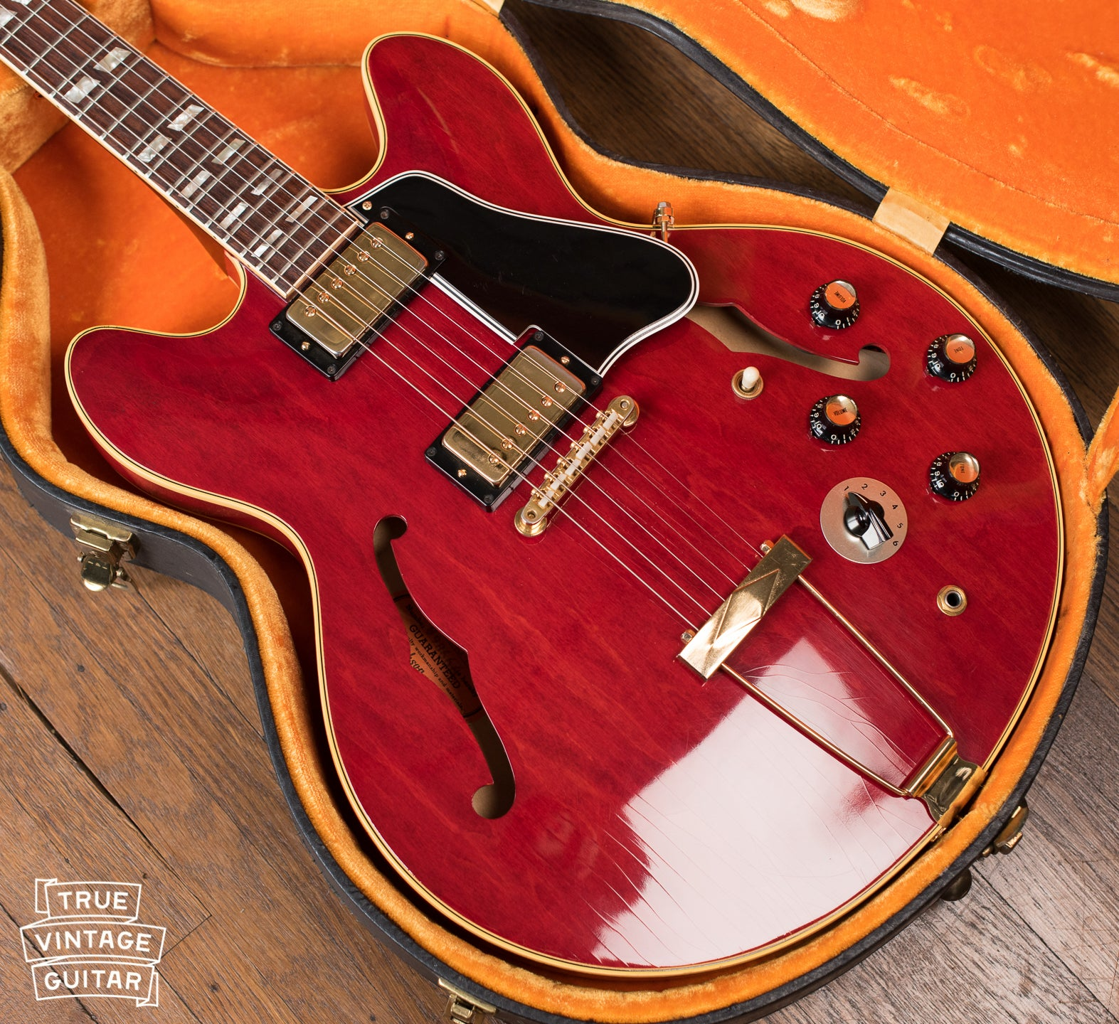 Gibson ES-345 1967 guitar Cherry Red with gold parts with Stereo output and Varitone switch