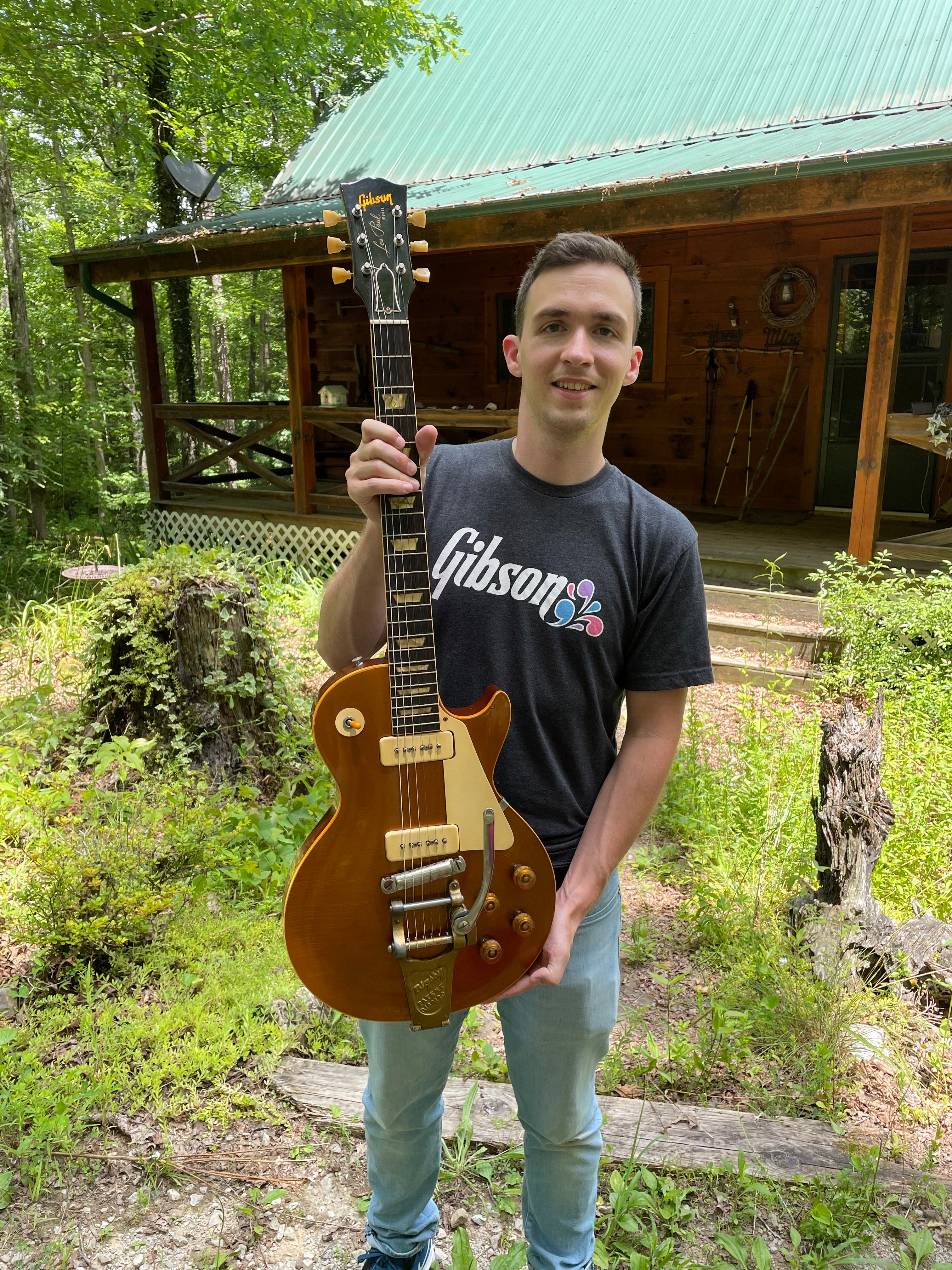 where to sell Gibson Les Paul goldtop guitars