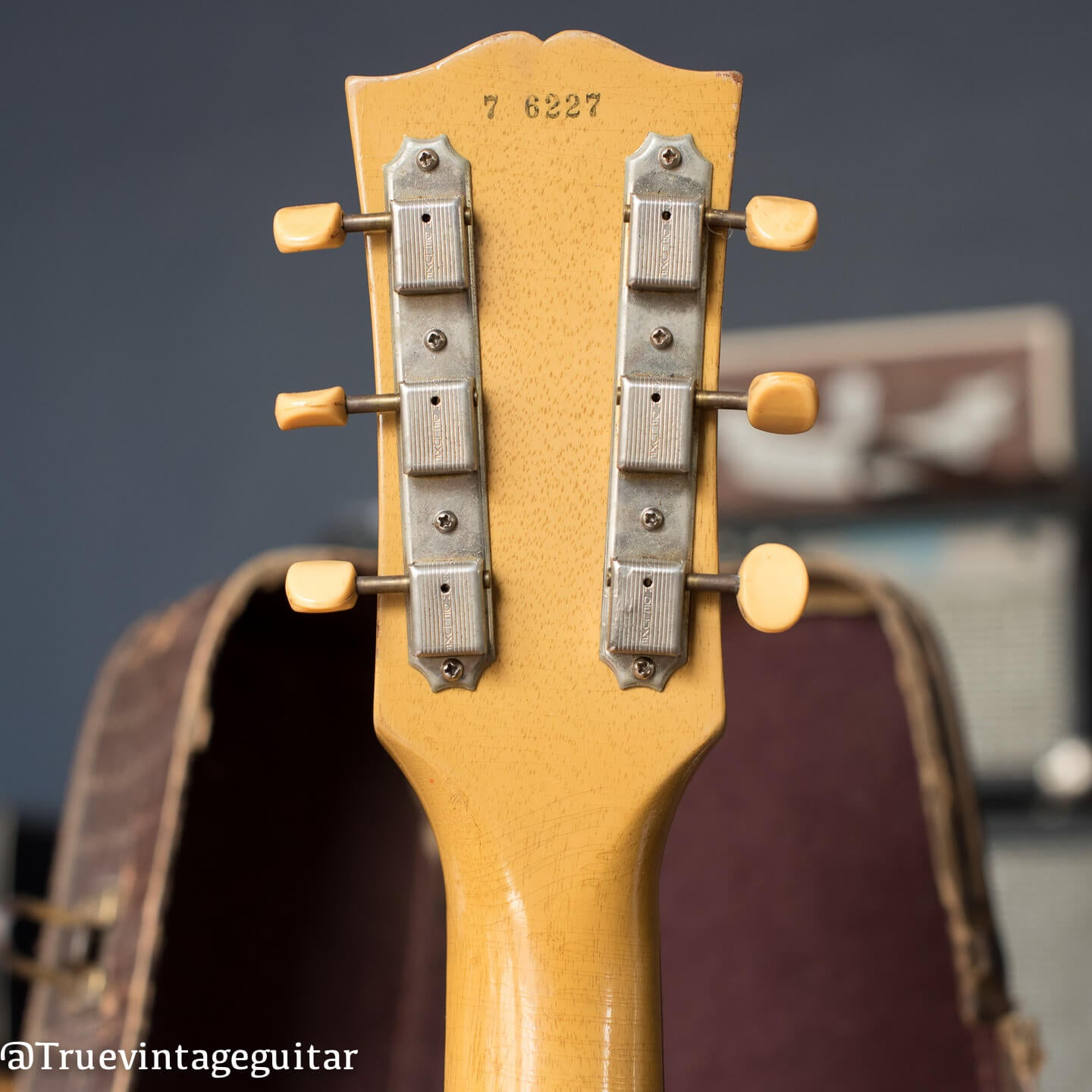Gibson Les Paul serial number check