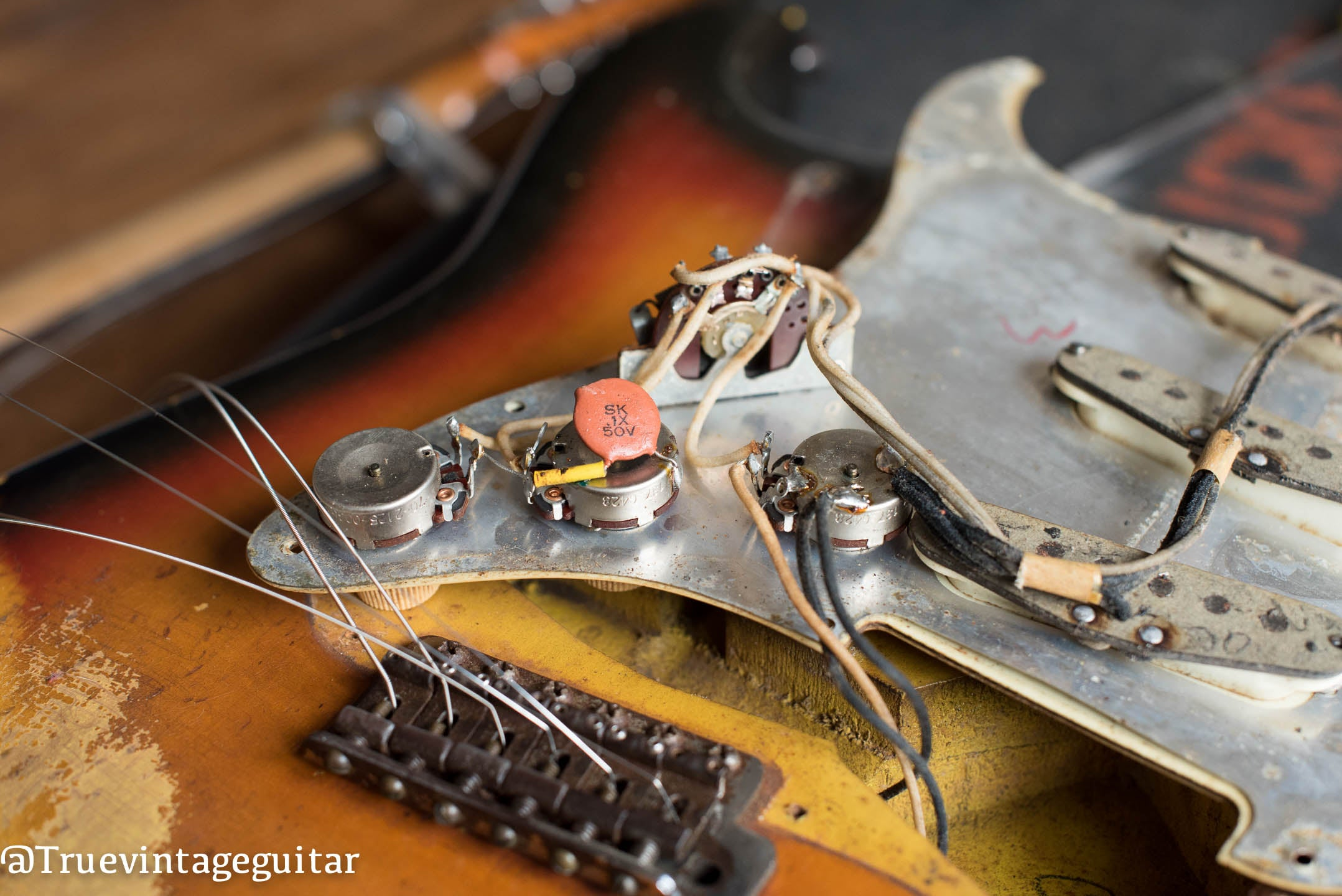 How to date a Fender Stratocaster with potentiometer codes