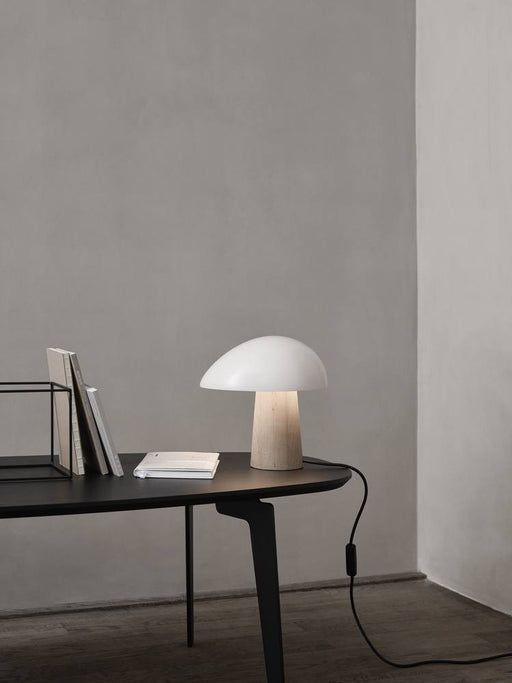 fritz-hansen-night-owl-colour-ash-bordlampe-smokey-white-ask