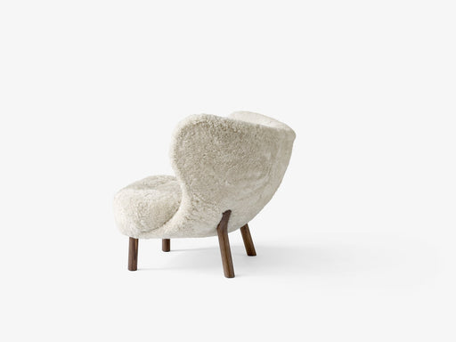 &tradition Little Petra VB1 Lænestol - Sheepskin moonlight/valnøtt