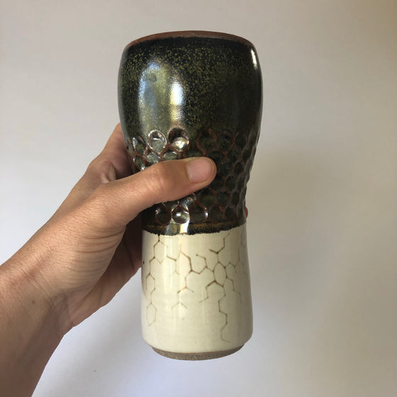 Hand Carved Pint with Carbon Chain Design