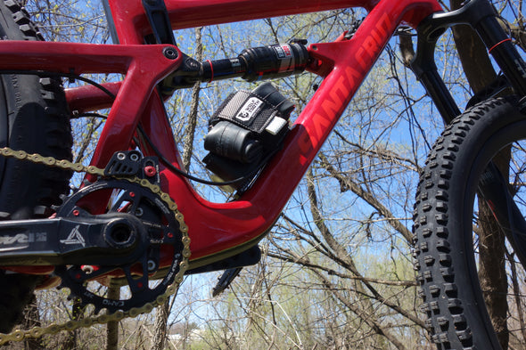 Wolf tooth-B-RAD-XL Strap on full suspension red bike