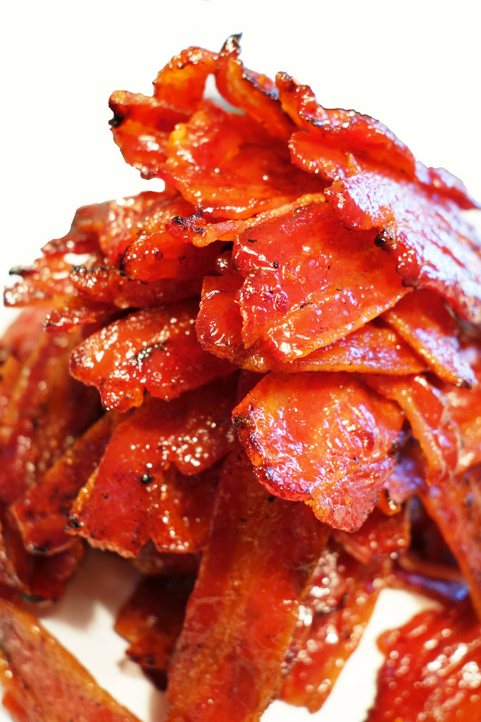 Bacon Jerky (Sriracha Sweet & Spicy Flavor) 是拉差(辣椒)五花肉