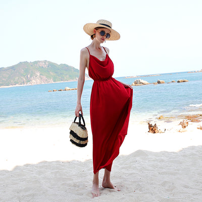 Slender Skirt With Chiffon Back On The Seaside