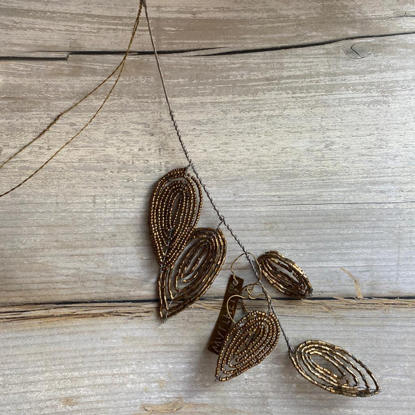 Hanging gold bead leaves decoration Walther & co