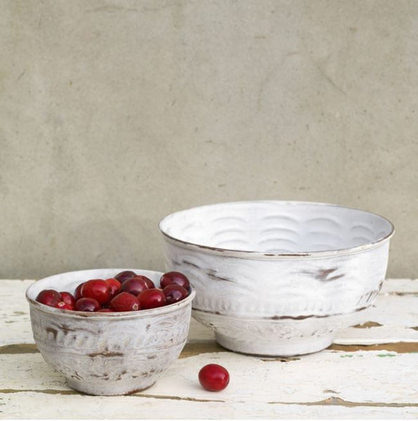 Distressed Metal Bowl wit embossed pattern fairtrade white grey