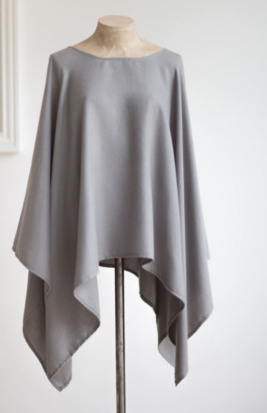 Lightweight Grey Poncho Tutti & Co