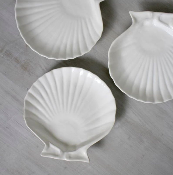 Small White Shell Plate - x4