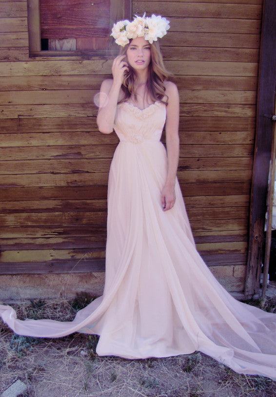 Discounted designer bridal gown. Affordable wedding gowns by Lauren Elaine Bridal.