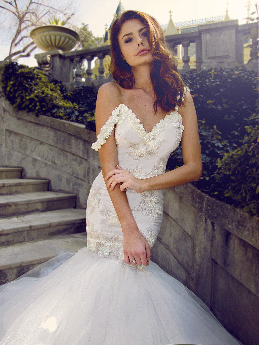 Tulle and lace mermaid wedding dress with sweetheart bodice. The Wisteria gown by Lauren Elaine Bridal.