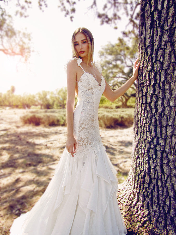Backless mermaid lace wedding gown with train