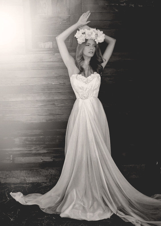 Vintage inspired bohemian bridal gown. The Bella gown by Lauren Elaine. Made in the USA.