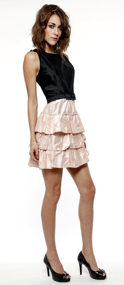 Lauren Elaine Cecilia dress. Short dress with bow shoulders.