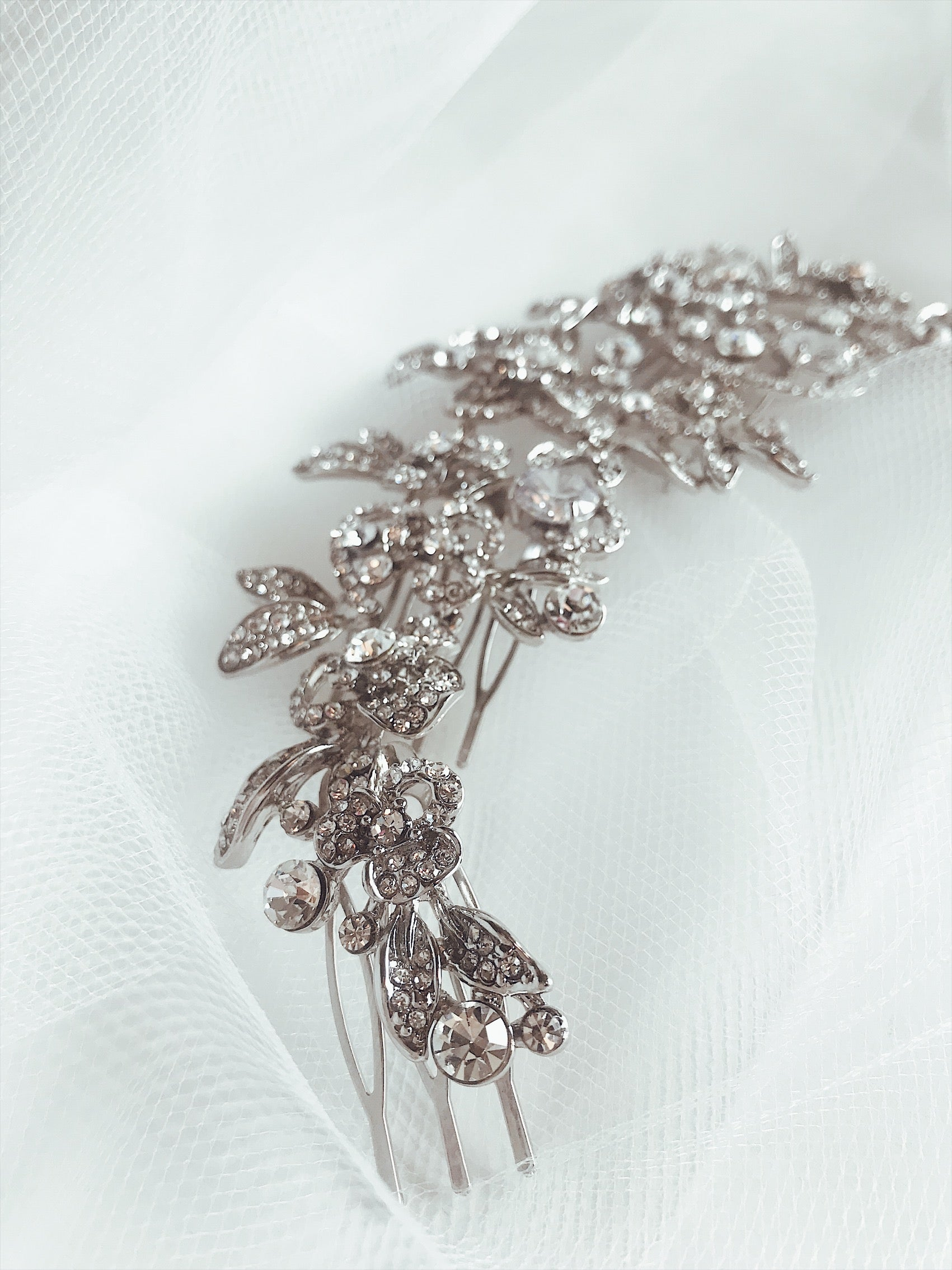 "Pave crystal and crystal stone detailing on the ""Zinnia"" hair comb from Lauren Elaine Bridal Accessories"