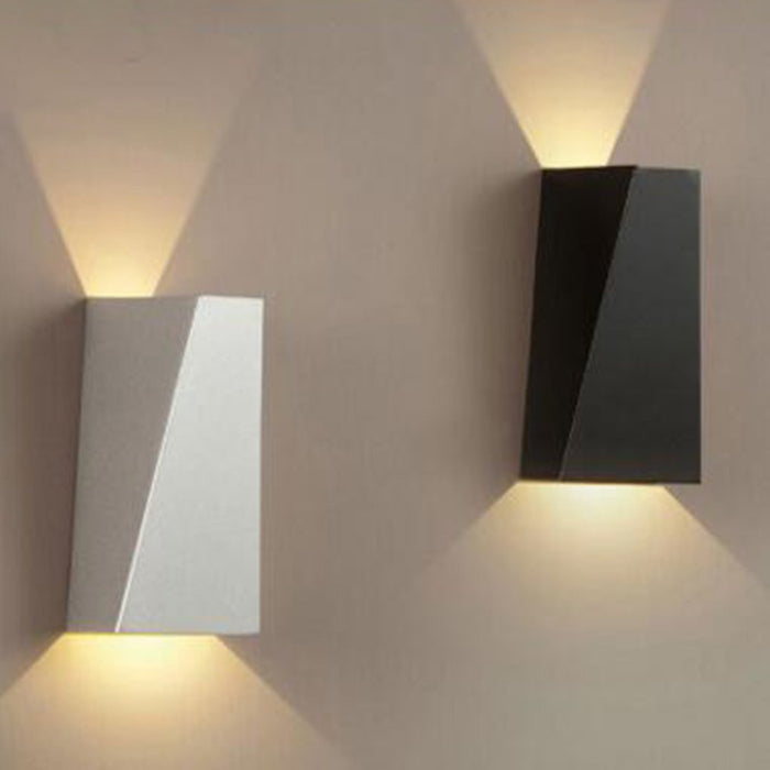 Simple Wall Lamp