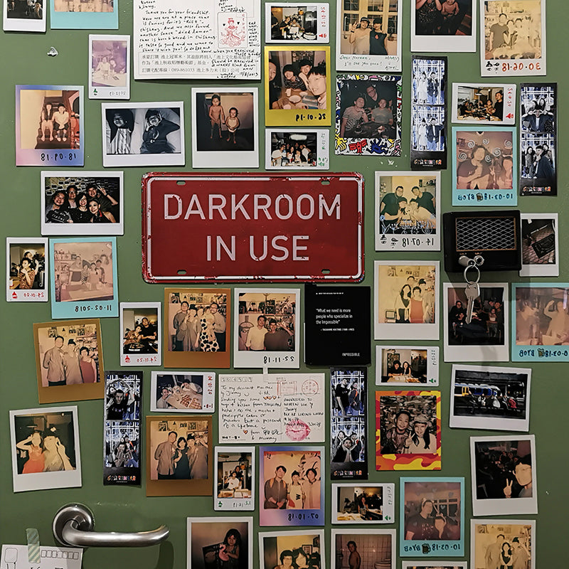 Tin Sign - Darkroom in Use