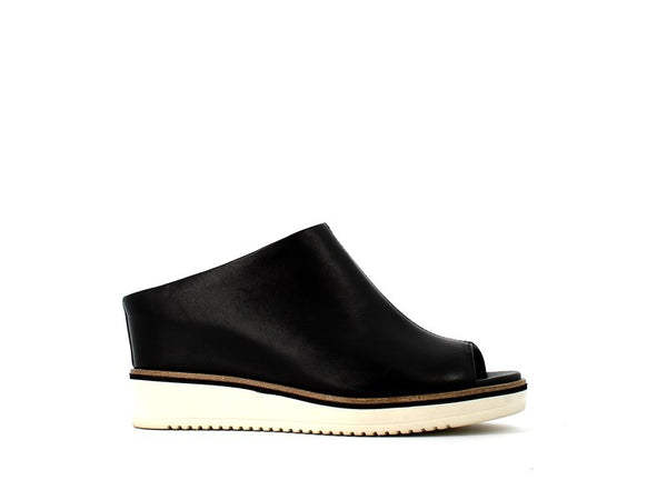 Tamaris Leather Mule Black