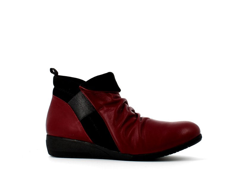 Cinders Two Tone Ankle Boot Cherry/Black
