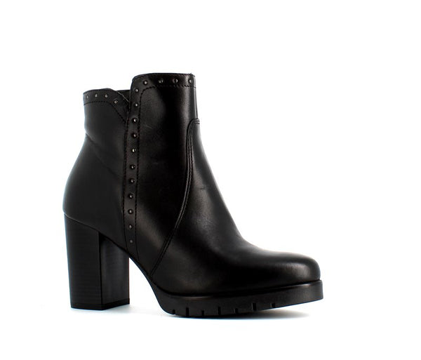 Italian Ankle Boot With Studs Black