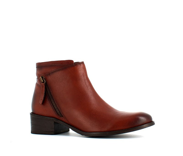 H Hosis Soft Leather Ankle Boot Cognac