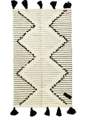 RUG WITH TASSELS CREAM AND BLACK