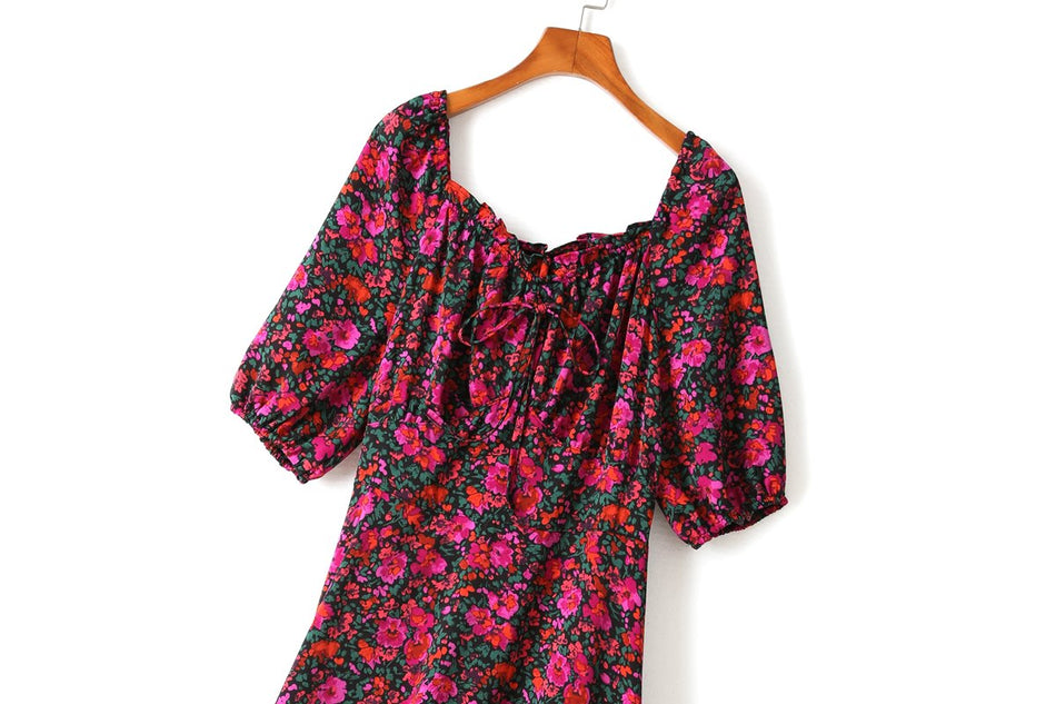 Wynna Plus Size Floral Sweetheart Mermaid Mid Sleeve Dress