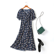 Vienna Plus Size Floral Print V Neck Scrunch Short Sleeve Midi Dress (Blue, Cream)